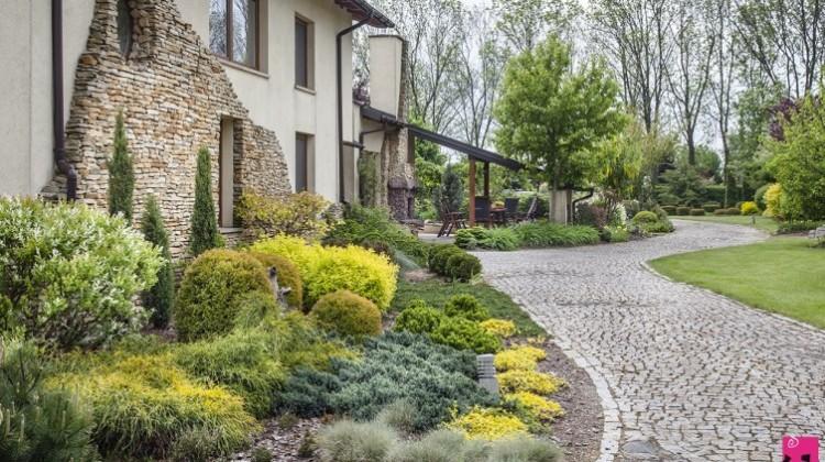 ogród w okolicach Skierniewic, Pink Pug Design