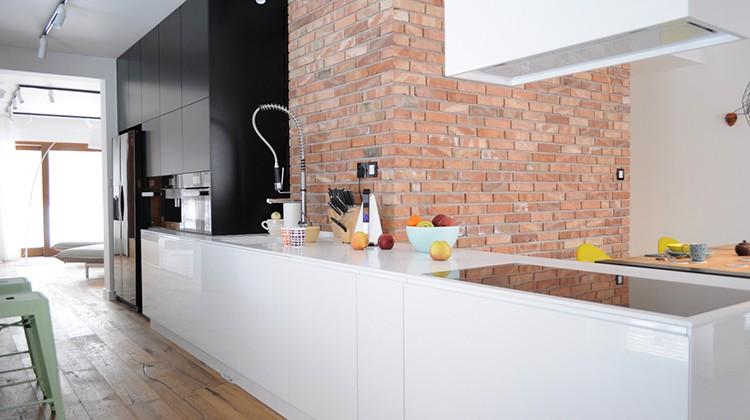 cegły w kuchni, loft, styl industrialny