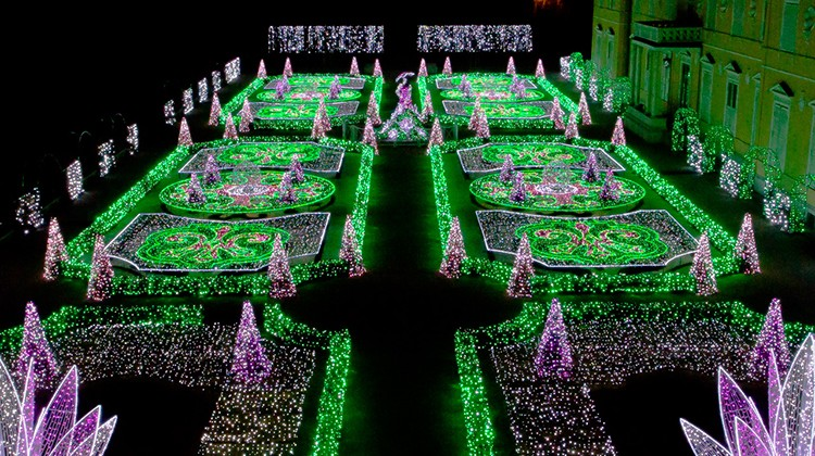 Podświetlony ogród, Wilanów